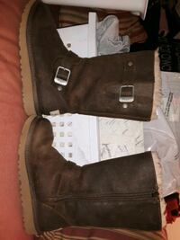 "CHILDS SIZE 1 ""UGGS"" BROWN LEATHER"