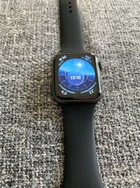 Apple Watch 4 44mm Maslak