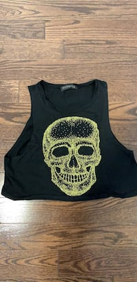 Skull muscle tank. Fits as size small. Bought from Tobi.com Côte-Saint-Luc, H4W