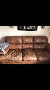 Brown leather 3-seat sofa Lubbock, 79416