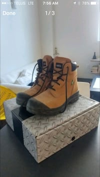 Size 11 men's work boots Winnipeg, R3B 1S1