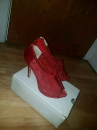 Red aldo heals size 8  Laval