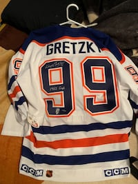 Wayne Gretzky signed jersey 1985 cup tribute