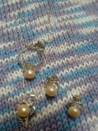 A sets of pink pearls ring size 6.5 Kelowna, V1X 7Z6