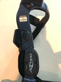 Brand new right knee brace size medium  516 km