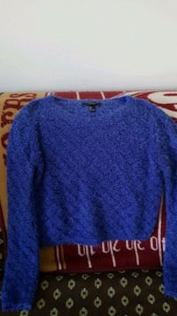 Forever 21 crop sweater size L Springfield, 22153