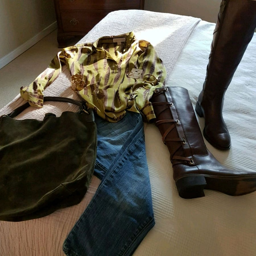 Michaell Kors silk blouse and skinny jeans