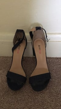 pair of black-and-brown leather flats Baltimore, 21222
