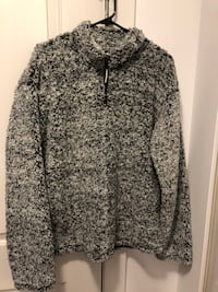 Shepra sweater Large Port Coquitlam, V3C