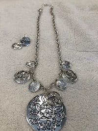 Avon necklace and earrings set. Hagerstown, 21742