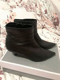 Feet first leather booties  538 km
