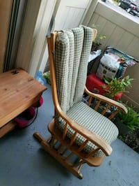 Wooden Rocking Chair Tampa, 33611