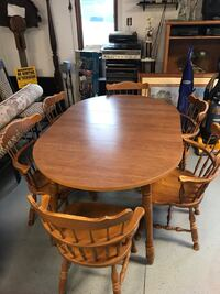Whitewater table with six chairs   Alexandria, 46001