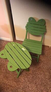 Frog table  and chair Bakersfield, 93309