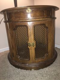Round end table (ladder available too- $10) Lamp negotiable $10 Ogden, 84404