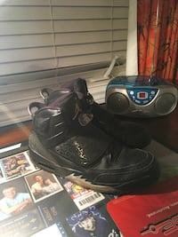 pair of black Air Jordan basketball shoes Kitchener, N2P 2T5