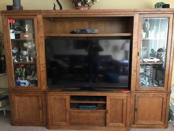 Bett John Elway Entertainment Center