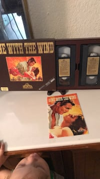 Console Gamegone with the wind  Vhs set Newark, 94560