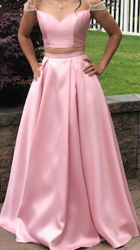 Size 4 prom dress Middletown, 19709