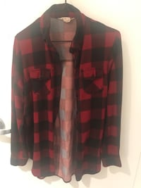 Red and black checkered shirt top