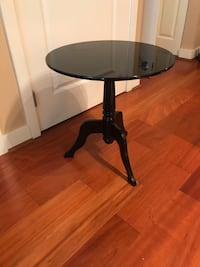 (2) black veneer traditional end tables $35 each Arlington, 22203