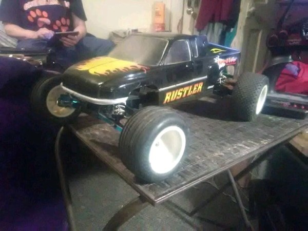 Used black and yellow Poulan Pro push mower for sale in Jersey Shore ... a296ce1ea