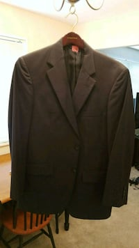 Brooks Brothers Navy Suit with pants 41R Bethesda, 20814