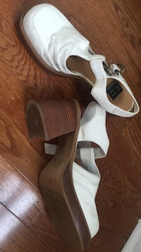 pair of white leather open-toe wedges Fredericksburg, 22401