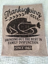 Women's Thanksgiving T Shirt (new, size small) Fort Myers, 33913