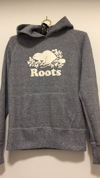 Roots extra small women's hoodie Oakville, L6K 3C7