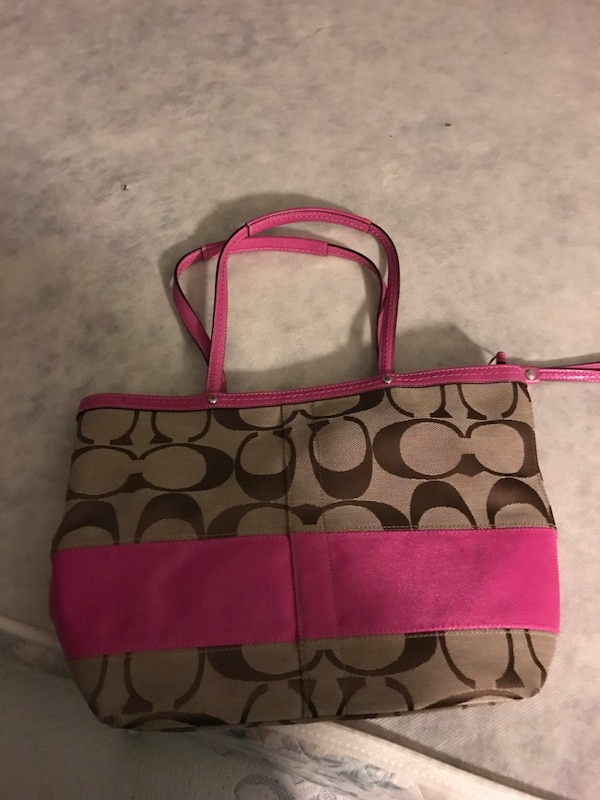 a365e8f7d Used Women's brown and pink coach tote bag for sale in Leet - letgo