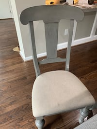 4 Dining room chairs Silver Spring, 20993