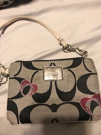 Coach wristlet/wallet. cleaned, great condition. have matching purse as well. Hurst, 76053