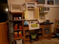 Play kitchen in great condition