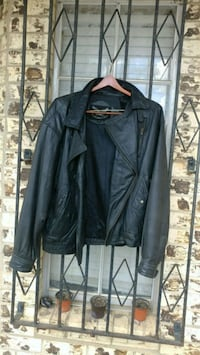 black leather zip-up jacket Laredo, 78043