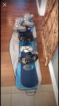 158 rossi snowboard with boots and bag Hamilton
