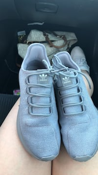 pair of blue sparkle Adidas comfy fitted low-top sneakers size 8 Odessa, 79762