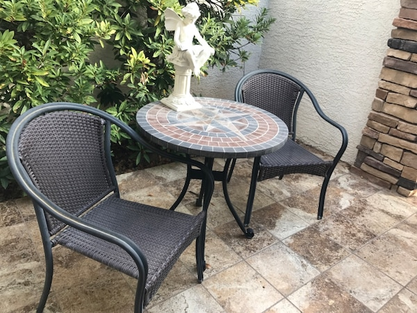 Table +4 chairs