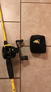 black and yellow fishing rod with baitcasting reel Conway, 29526