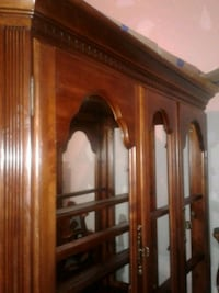 Cherry China cabinet with 6 chairs and table Woodbridge, 22191