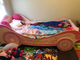 Girls car bed