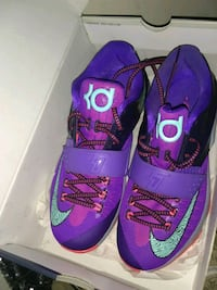 pair of purple-and-pink Nike basketball shoes Opa-locka, 33054
