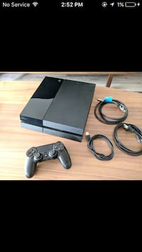 Sony PS4 console with controller Winnipeg, R3T 0N4