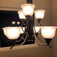 Extra Large Chandelier (like-new condition) 168 mi