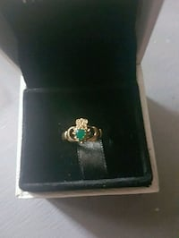 Gorgeous 10kt gold emerald ring  Whitby, L1N 8X2