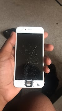 iphone 7 (still works Fayetteville, 28311