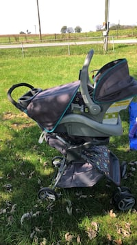 baby's black and gray stroller Charles Town, 25414