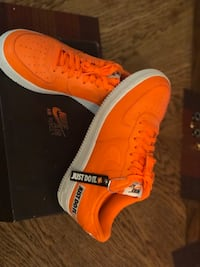 Just do it orange and white AirForce1's 45 obo Shakopee, 55379