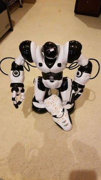 Multiaction Robot toy with remote Hamilton, L0R 2H9