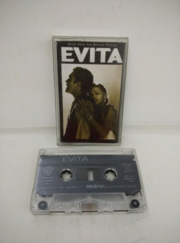 Kaset Evita Music From The Motion Picture-Madonna      8d6e02b9-9aec-462c-9115-bb3dd272f7ed